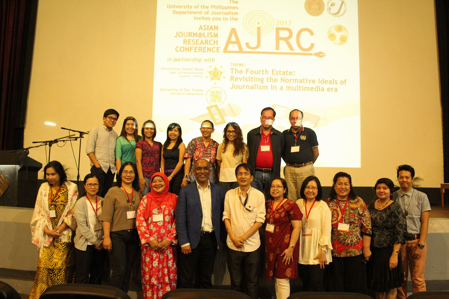 Keynote speakers and Filipino organizers led by the journalism department from the University of the Philippines-Diliman and the University of Sto. Tomas pose for a souvenir photo with international faculty
